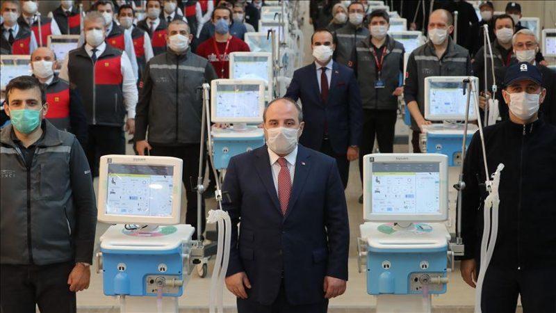 شركات تركية تبدأ بانتاج أجهزة التنفس الصناعي وتسلم أول دفعة لوزارة الصحة