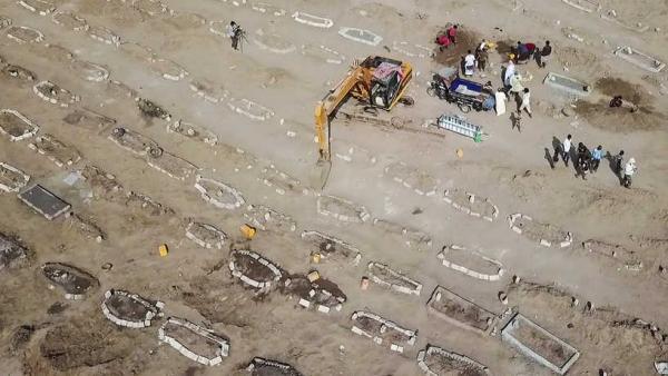 مقابر اليمن تتوسع وفيروس كورونا يفتك بالكثير