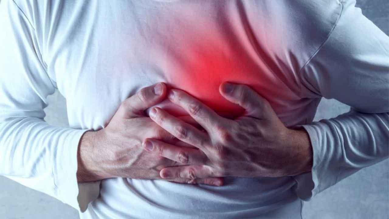 تعرف على الأغذية التي يجب تناولها لتجنب الإصابة بأمراض القلب!