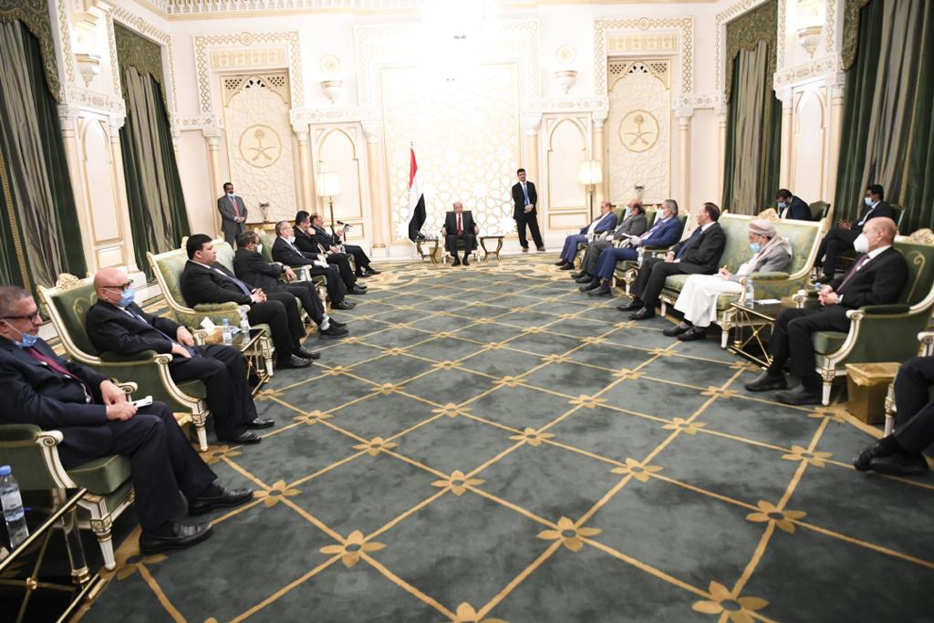 President Hadi argues Southern Transitional Council to implement Riyadh Agreement