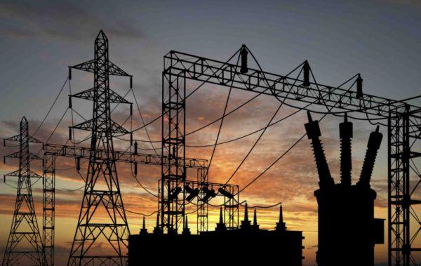 مليشيا الحوثي تُلزم المستثمرين في الكهرباء من غير الجماعة بإيقاف نشاطهم وخلع اكثر من 2000 عداد كهرباء