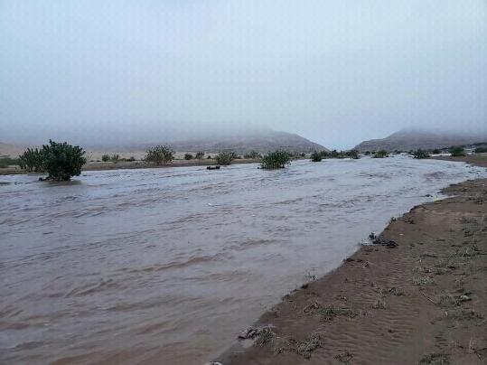 طوارئ مأرب تعلن وفاة 19 شخص وتضرر نحو 17 ألف أسرة بسبب سيول الأمطار