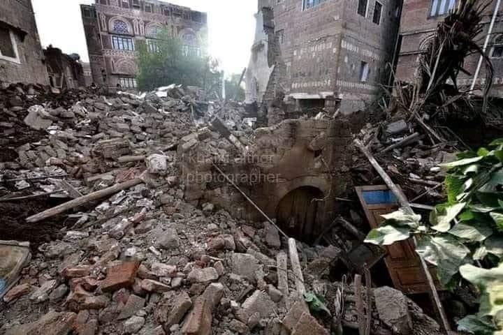 """الأمطار تدمر منزل شاعر اليمن المرحوم """"عبدالله البردوني"""" في صنعاء"""