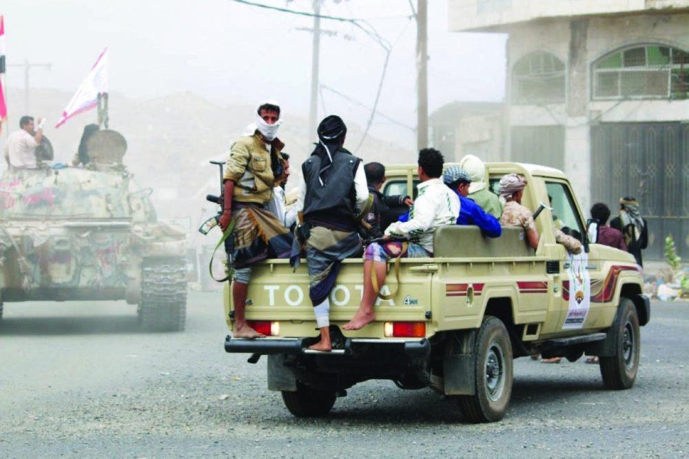 تندلع ليلاً وتخمد نهاراً.. تجدد المواجهات العسكرية في محافظة أبين