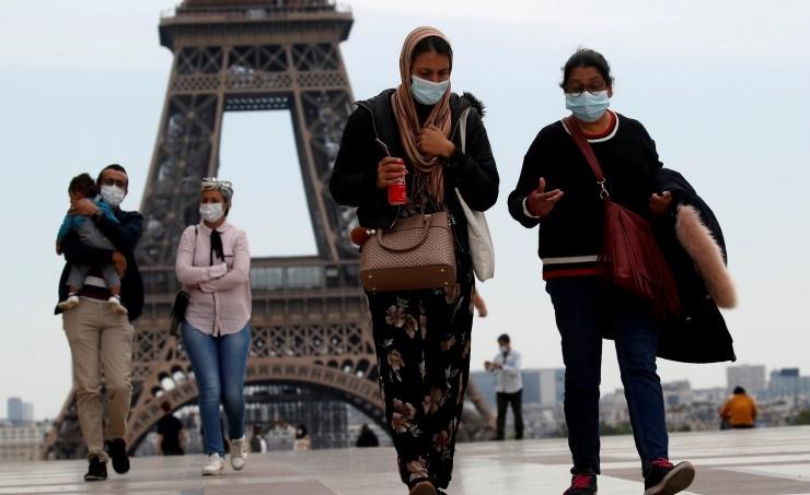 فرنسا تسجل نحو 30 ألف إصابة جديدة بكورونا خلال 24 ساعة