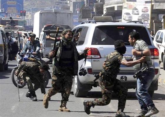 """إتحاد الصحفيين الدولي يصف حرب اليمن بــ""""الحرب المنسية"""" ويكشف عن إحصائية بالقتلى الصحفيين خلال عشر سنوات"""