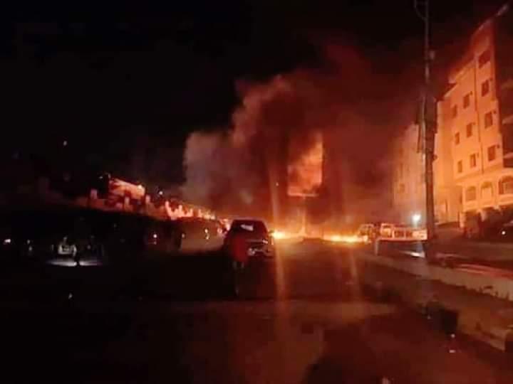 ورد الان.. انتفاضة شعبية عارمة في العاصمة المؤقتة عدن والاحتجاجات تتمدد في المدينة