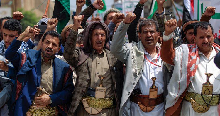 تقرير أمريكي: الإمارات قدمت هدية ثمينة للحوثيين لم يحلموا بها بتطبيعها مع إسرائيل (ترجمة خاصة)