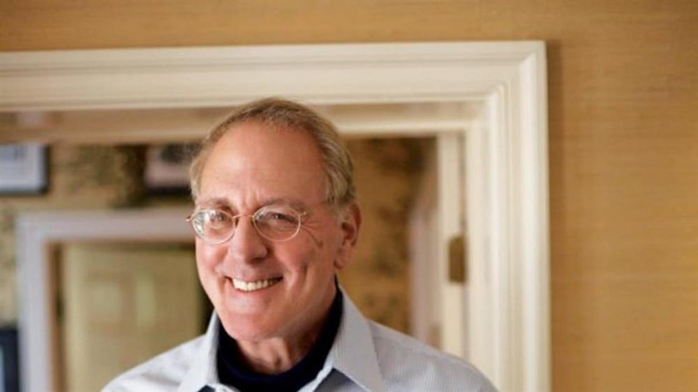 """وفاة مؤلف رواية """"فورست غامب"""" عن 77 عاماً"""