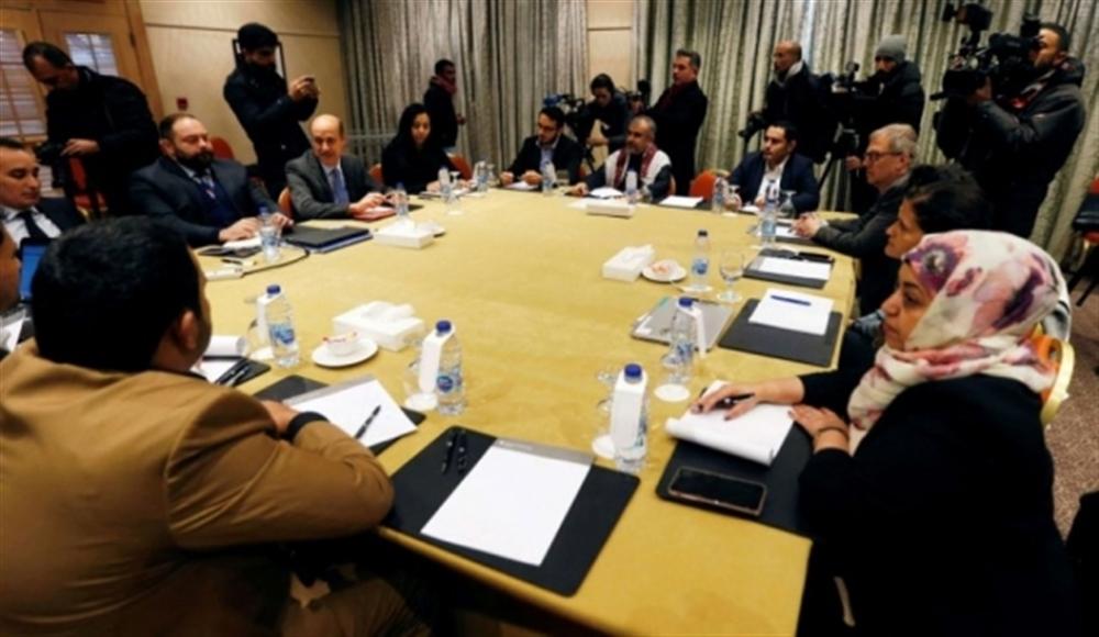 الكشف عن بدء جولة مشاورات جديدة بين الحكومة ومليشيا الحوثي الإرهابية بشأن الأسرى