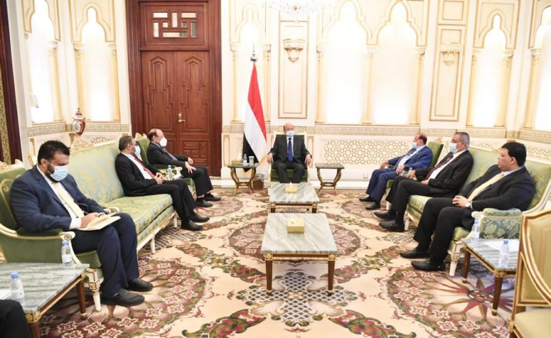 رئيس الجمهورية: التصعيد الحوثي في مأرب يؤكد عدم نية الميليشيات للخيار السلمي