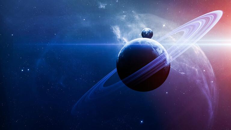 """علماء يكشفون عن """"محيطات"""" فوق قمر إنسيلادوس التابع لزحل"""