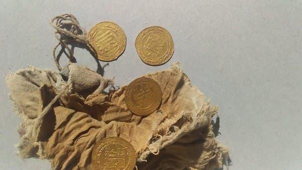 السلطات المصرية تكتشف عملات يرجع تاريخها للعصر العباسي