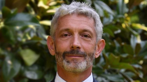 عثر عليه مشنوقا.. السفارة الفرنسية في المغرب تعلن وفاة القنصل العام