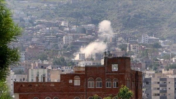 مليشيا الحوثي تقصف قرية سكنية في تعز وإصابة امرأة في القصف