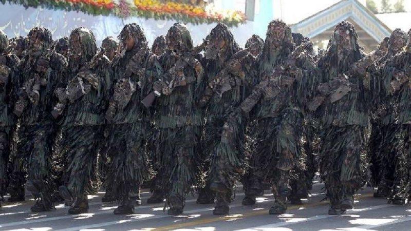 الحرس الثوري الإيراني يتوعد القوات الأمريكية في مياه الخليج