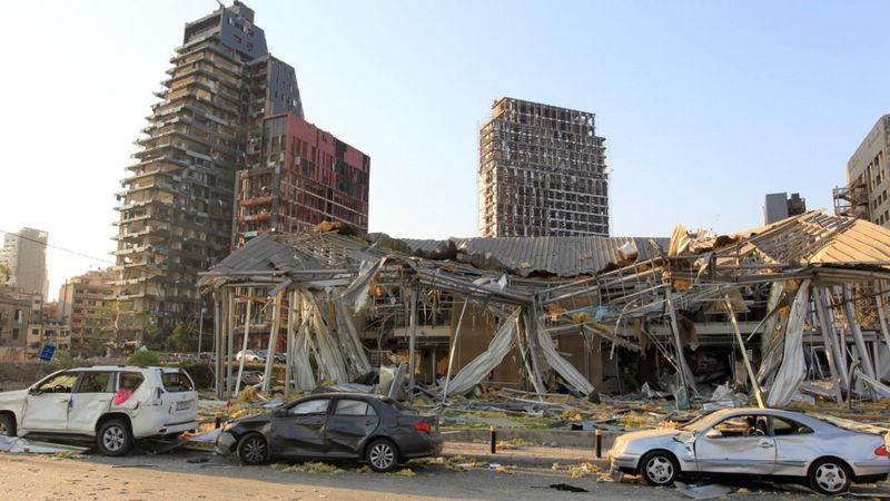 """إتهام رئيس حكومة تصريف الأعمال اللبناني وثلاثة وزراء بــ""""كارثة بيروت"""""""