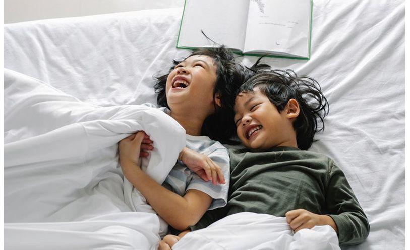 تعرف على 8 عادات خاصة بوقت نوم الأطفال من جميع أنحاء العالم