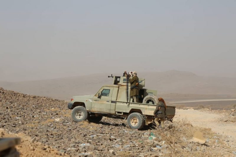 قوات الجيش تشن هجوما على مواقع مليشيا الحوثي بمأرب وتكبدها خسائر فادحة