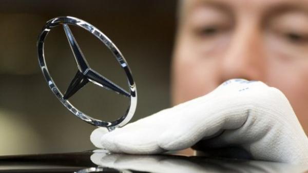 مرسيدس-بنز تسحب أكثر من مليون سيارة بسبب خلل فني