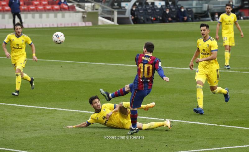برشلونة يتعثر على ملعبه بالتعادل أمام قادش