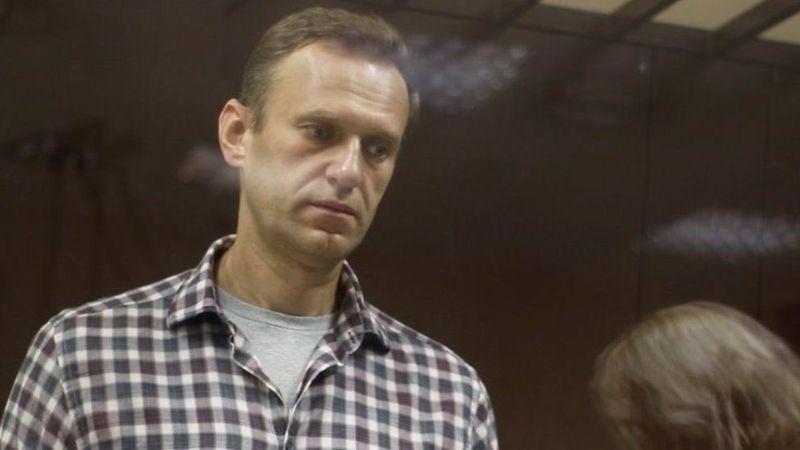 """بعد وصول شكوى.. العفو الدولية تجرد المعارض الروسي نافالني من صفة """"سجين رأي"""""""