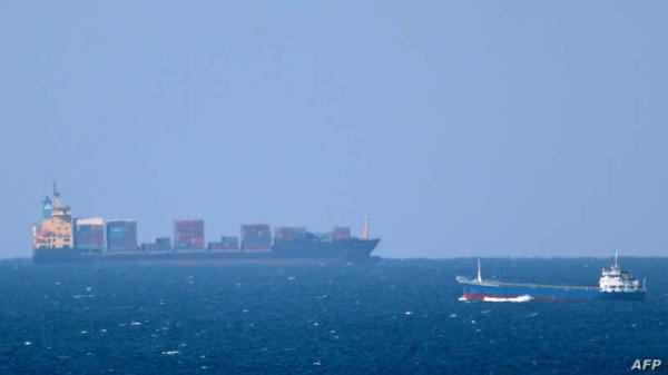 وكالة دولية: إنفجار سفينة إسرائيلية قرب خليج عمان