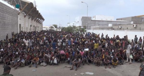 إندلاع تظاهرات للأجئين في صنعاء تنديدا بجريمة احتراق مركز إيواء