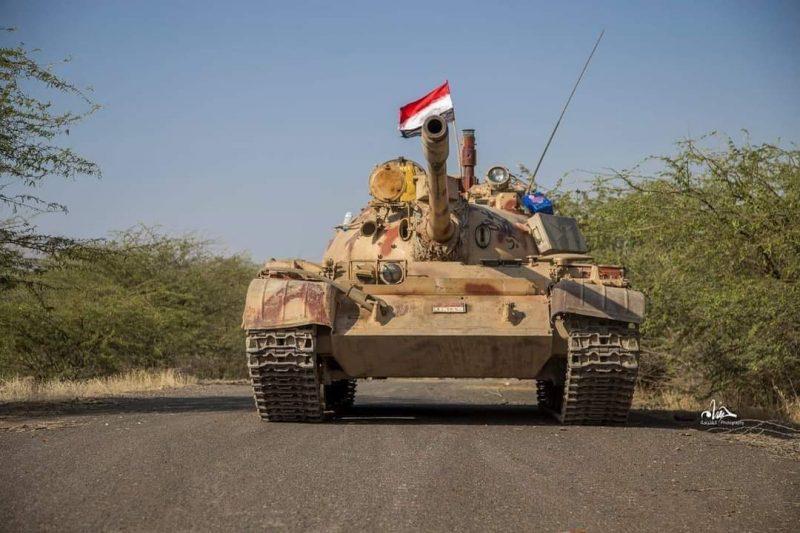 مدفعية الجيش تستهدف مليشيا الحوثي غرب تعز ومصرع 4 حوثيين