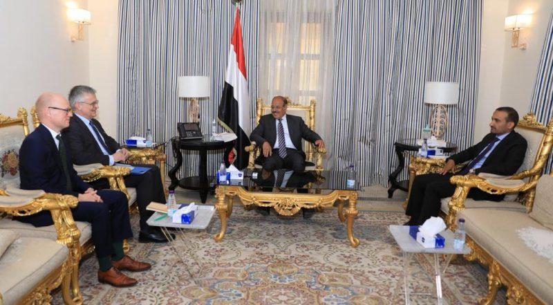 نائب رئيس الجمهورية يؤكد أن المبادرة السعودية اختبار حقيقي لجدية الحوثيين