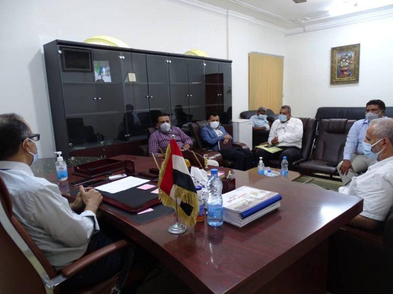 إجتماع في عدن يناقش خطة توزيع لقاح فيروس كورونا والوضع الوبائي في اليمن