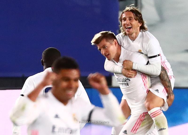 ريال مدريد يفوز بالكلاسيكو بهدفين لهدف