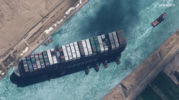 """مصر تأمر بحجز السفينة الجانحة """"إيفرجيفن"""" لصالح هيئة قناة السويس"""