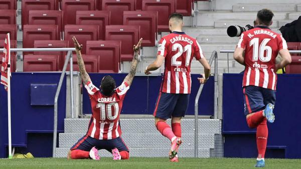 أتلتيكو مدريد ينفرد بصدارة الدوري الإسباني بعد فوزه على هويسكا