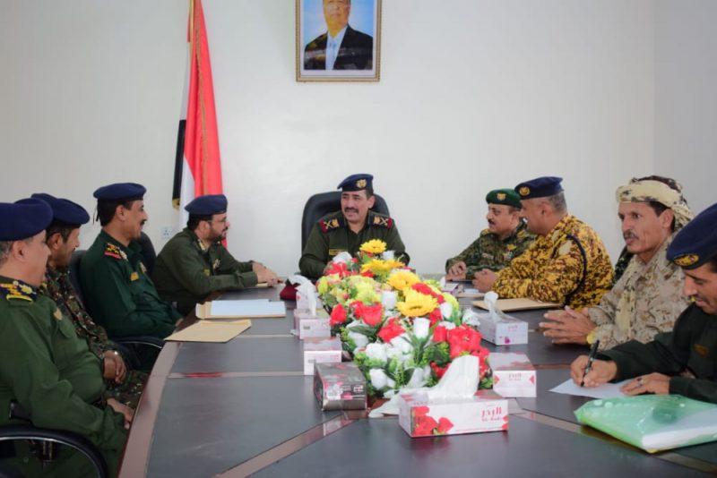 وزير الداخلية يطلع على الأوضاع الأمنية والعسكرية في مأرب والبيضاء
