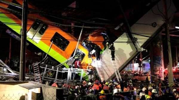 إنهيار جسرٍ في المكسيك لحظة مرور قطار عليه وسقوط عشرات القتلى والجرحى