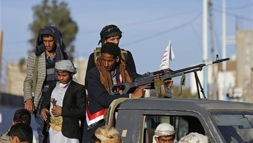 مليشيات الحوثي في صنعاء تنهب سلال غذائية مخصصة لمرضى السرطان