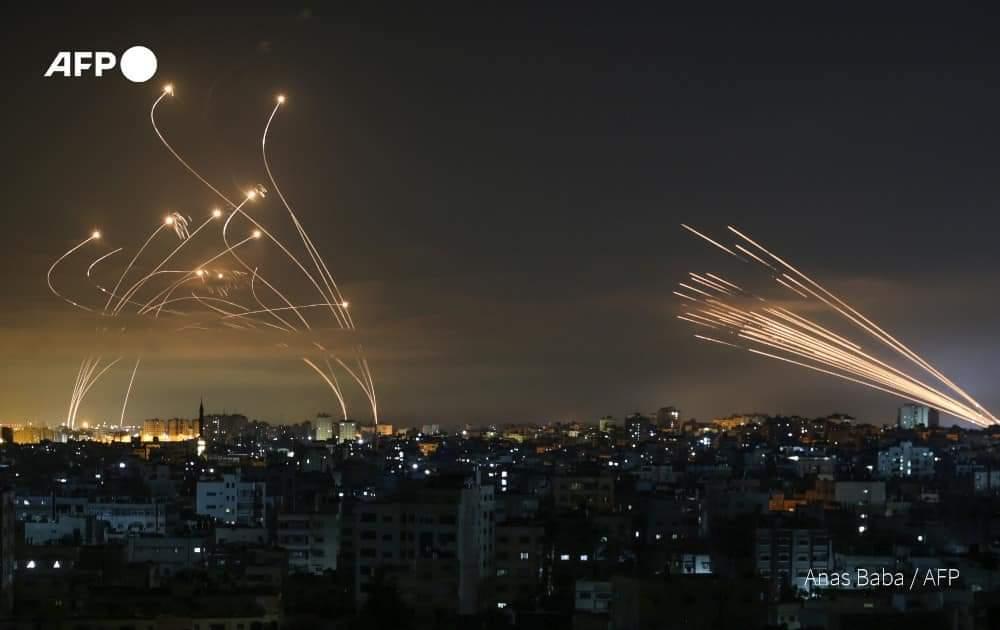 إسرائيل تواصل قصف غزة والمقاومة ترد برشقات الصواريخ.. مستجدات الأوضاع العسكرية والإنسانية