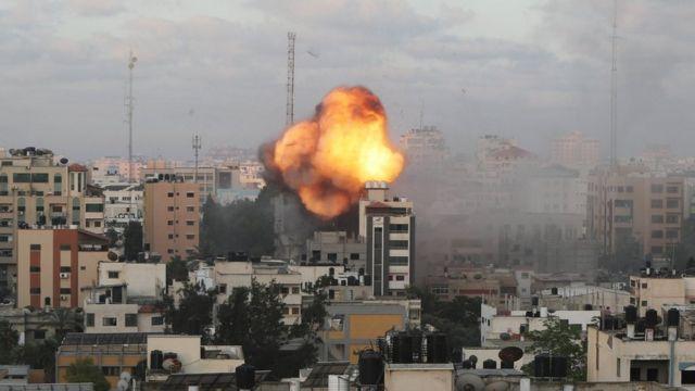 فرنسا تطالب إسرائيل بضمان الوصول السريع وبدون عوائق للمساعدات إلى غزة