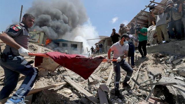 تحليل لصحيفة إسرائيلية يتهم إسرائيل بمحو عائلات بالكامل في غزة عن قصد