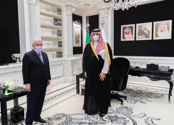 نائب وزير الدفاع السعودي يبحث مع المبعوث الأمريكي الخاص إلى اليمن جهود وقف إطلاق النار في اليمن