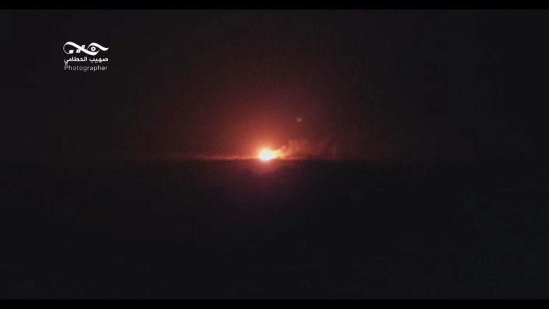 بالصورة .. طيران التحالف يدمر مركز القيادة والسيطرة التابع لمليشيات الحوثي الإرهابية في جبل هيلان