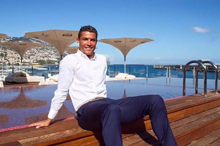 كريستيانو رونالدو يفاجئ الجميع ويعود إلى مدريد .. والموعد غداً!