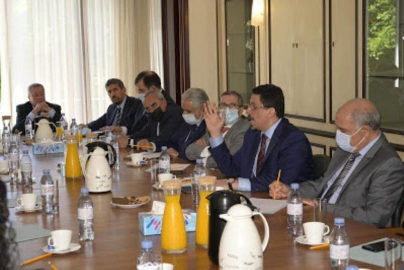 الحكومة تناقش مع السفراء العرب المعتمدين لدى بلجيكا تطورات الأوضاع في اليمن
