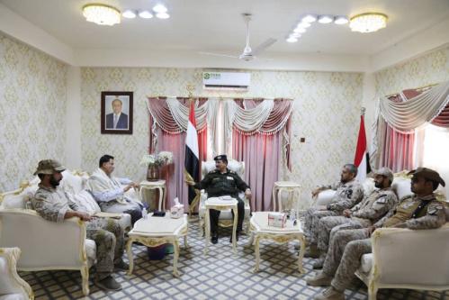 وزير الداخلية يشيد بالدعم المقدم من التحالف العربي للأجهزة العسكرية والأمنية