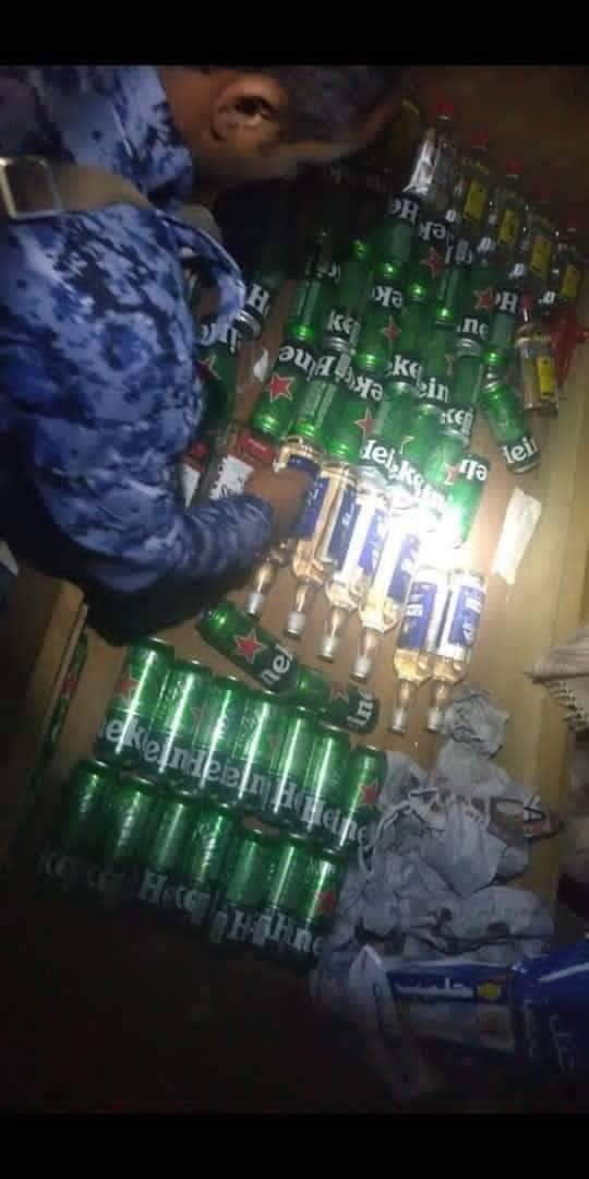 أجهزة الأمن في تعز تضبط كمية من الخمور والحشيش