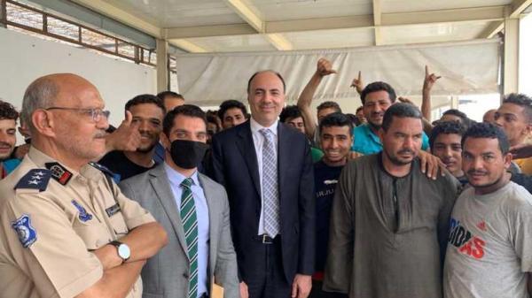 ليبيا تفرج عن 90 مصريا