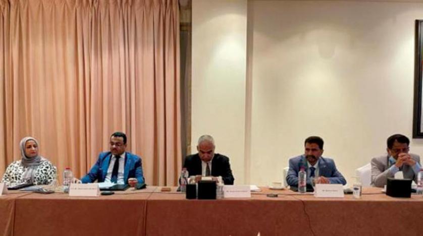 الحكومة اليمنية تبحث مع شركة «توتال» استئناف تشغيل منشأة بلحاف