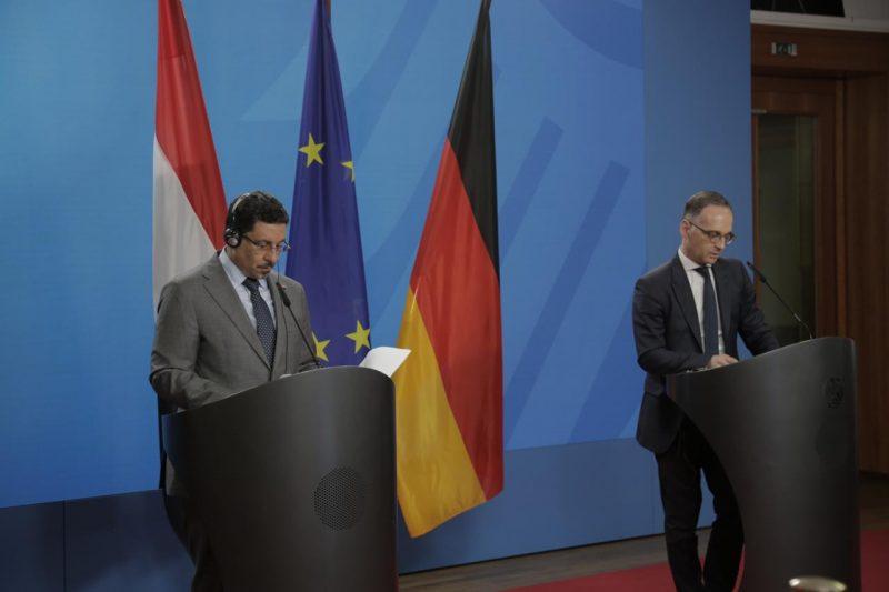 وزير الخارجية يبحث مع نظيرة الألماني جهود السلام في اليمن