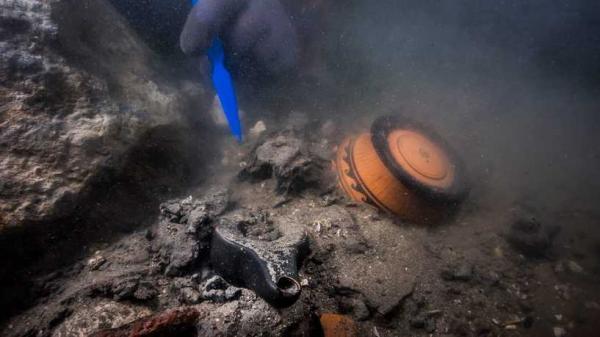 مصر تعلن العثور على حطام سفينة حربية من العصر البطلمي